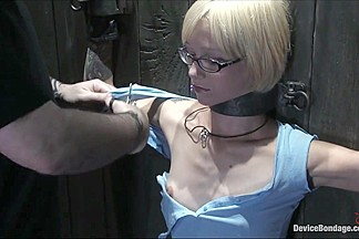 Device Bondage: Miss Kitty