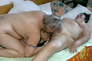 Fat grannies in a threesome with a horny guy