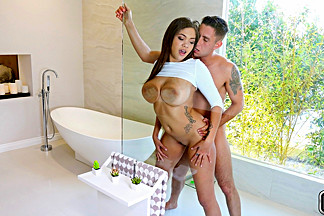 Cassidy Banks & Brad Knight in Ohh Cassidy - BigNaturals