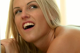 Momxxx video: Blanche Bradburry - Her First Big One