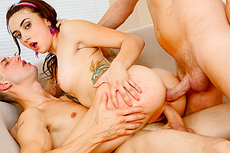 Mandy Muse,Mark Wood,Chris Strokes in Anal sexy'uns #02, Scene #04