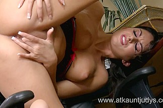Wicked Mother I'd Like To Fuck Nikki Daniels is tired of wearing her clothing