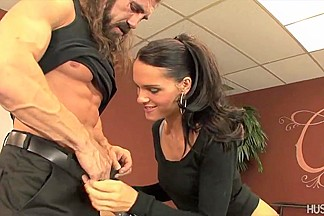 Jennifer Dark fuck her way out