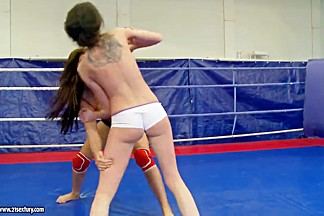 Wrestling between Angelica Heart and Denisa Doll