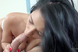 Sexy blowjob action of Kira Queen
