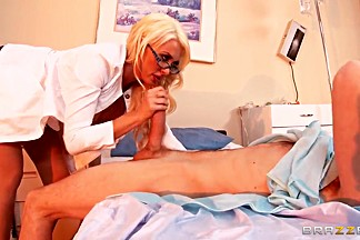 Hot doctor Summer Brielle is treating her patient
