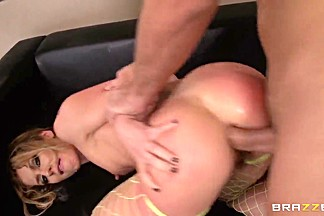 Keiran Lee gives Sheena Shaw a pounding!