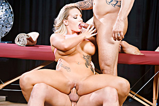 Cali Carter & Eric Masterson & Derrick Pierce in Fucking For A Fixing - FantasyMassage