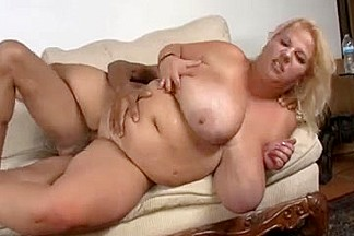 BBW mature slut with big butt fucked in doggystyle