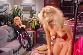 Nina Hartley Gets Into Eating Pussy (Vintage)