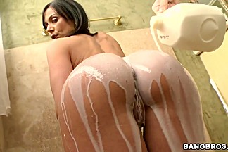 Kendra Lust is a hot brunette that is taking a shower