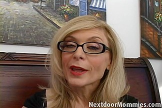 Next Door Mommies: Naughty cougar love to give handjobs