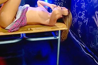 Jada tease Soft in School outfitt on Livecam