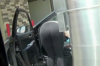 Big booty cleaning car