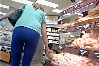 Candid MILF - Tight booty in blue spandex