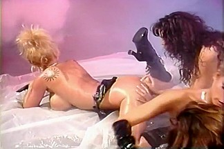 Extremely Hot Four Girl Strap-on Orgy