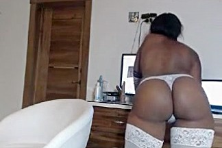 sweetyfoxxxy secret clip on 07/12/15 01:47 from MyFreecams