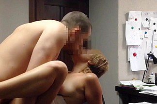 Amateur russian secretary fucked in office