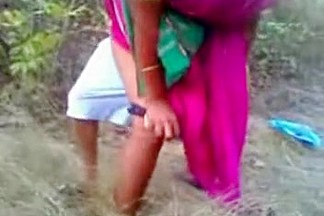 Adipoli Kerala Bhabi Doggy Style With 2 Boys In Jungle