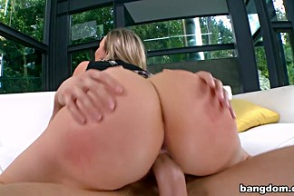 Huge tits on this MILF pornstar get fucked...