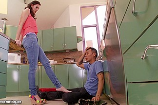 21Sextury Video: Handyman's foot fetish