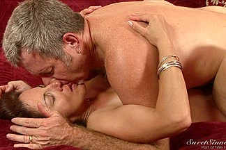 Milf does professional blowjob and her twat is licked