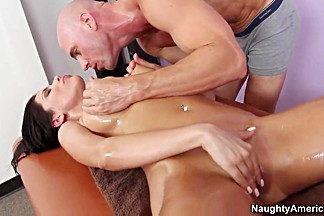 Aleksa Nicole is mouth fucked after a massage