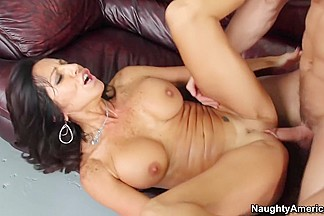 Tara Holiday & Johnny Castle in Seduced by a Cougar