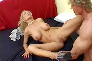 Super Hawt mother I'd like to fuck Diamond Foxxx 5